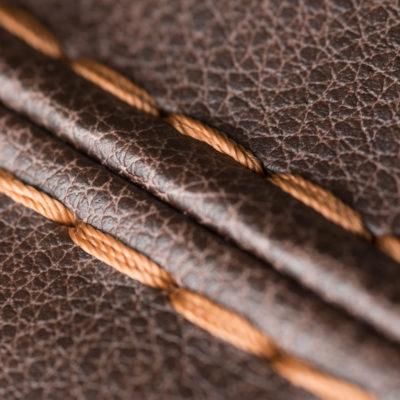 Specials Dubbele stiknaad driedraad herstofferen opnieuw bekleden by Dominikq Meubelstoffeerderij