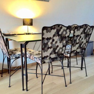 Specifieke meubelstoffen voor vintage meubelen.