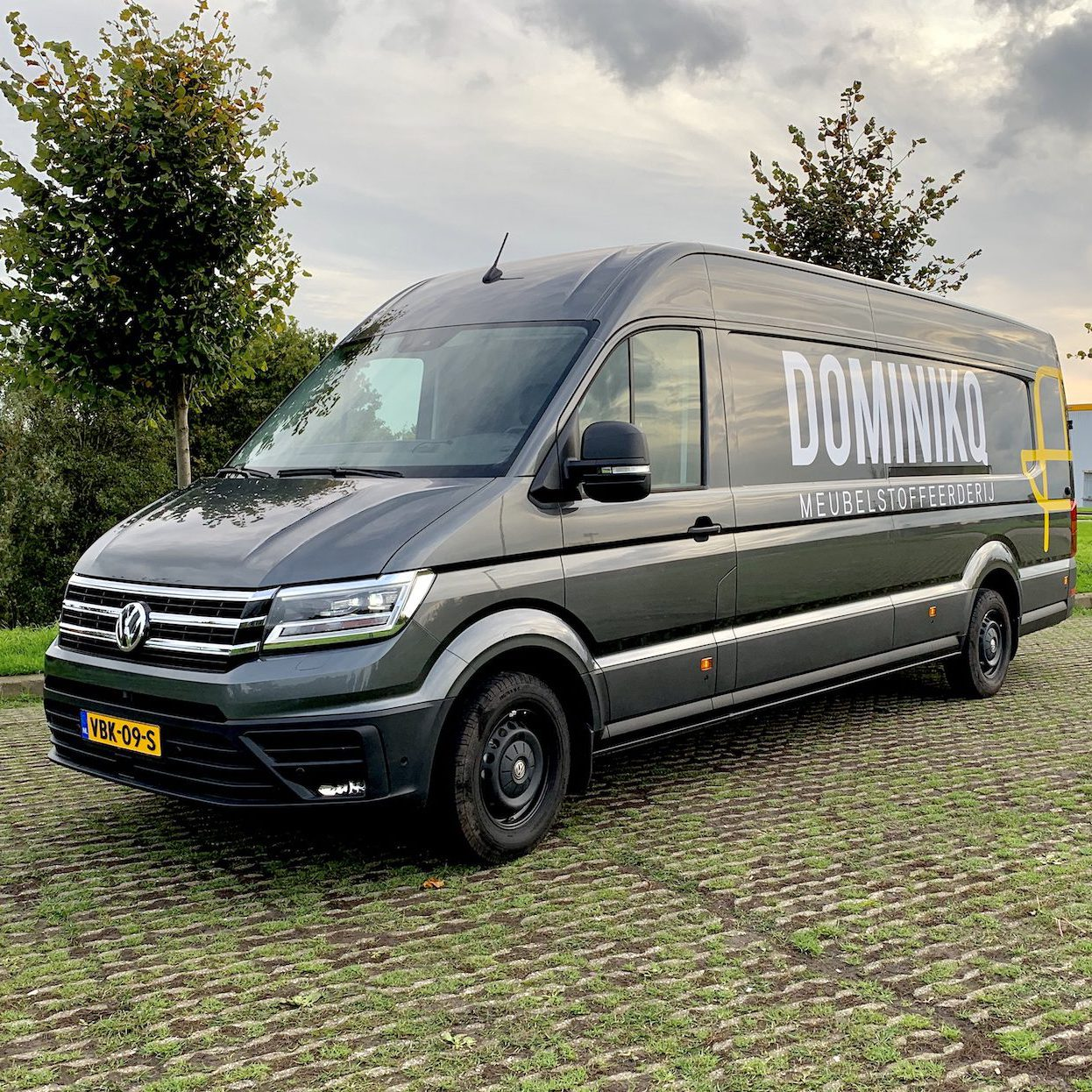Gratis halen en brengen in de regio bij Dominikq Meubelstoffeerderij. Uw specialist in meubelstoffering voor groot en klein.